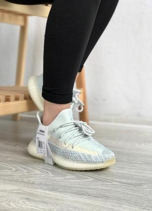 Классные, красивые кроссовки от adidas yeezy boost (адидас изи буст)