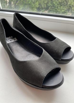 Стильные туфли с открытым носком vagabond босоножки сандали