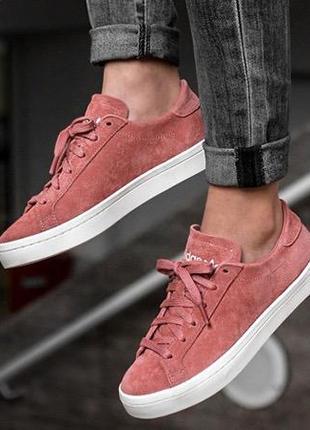 Крутые замшевые кроссовки adidas court vantage pink