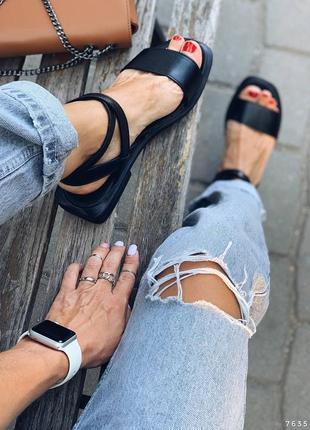 Кожаные сандалии босоножки с квадратным задником тонкие ремешки. наложка
