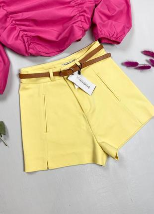 Летние желтые шорты