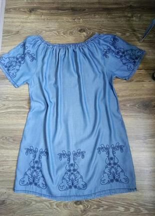 Платье натуральное открытые плечи