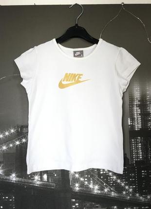Белая футболочка найк на 8-10 лет