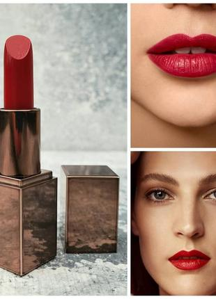 Кремовая помада laura mercier rouge essentiel silky crème lipstick rouge ultime