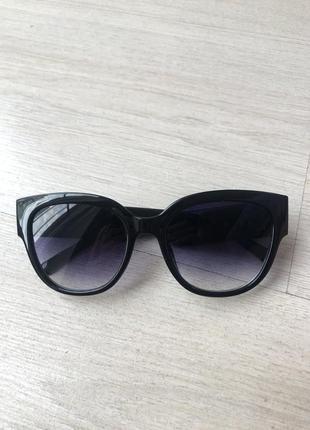 Чёрные солнцезащитные очки версаче versace