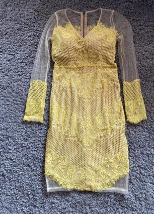Фирменное платье кружево
