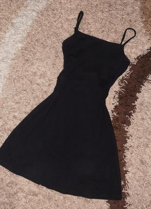 Новое короткое платье на бретелях с открытой спиной черного цвета xs от asos 💣