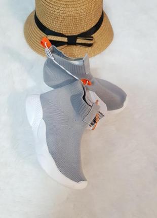 Легенькі текстильні кросівки george