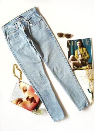 Светлые голубые джинсы мом винтаж джинси mom вінтаж gap