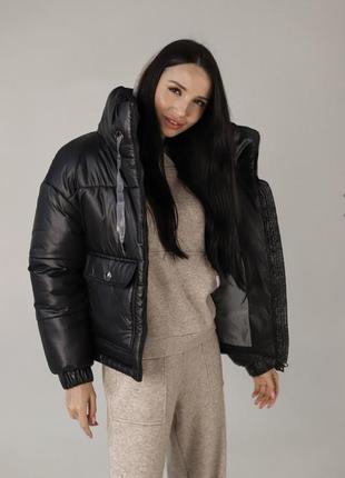 Короткая чёрная куртка тёплая , распродажа летняя