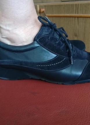 Спортивные туфли,кроссовки.натур. кожа и замша.