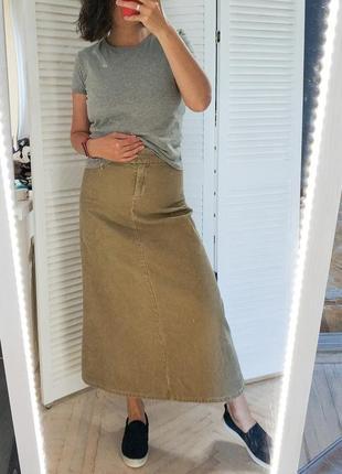 Актуальная юбка макси прямая, а силуэта, вельветовая, бежевая / хаки