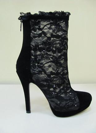 Кружевные ботиночки mallanee