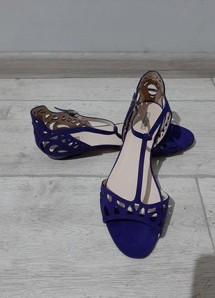 Босоножки, сандали на низком каблуке giorgio armani размер 39-40 оригинал