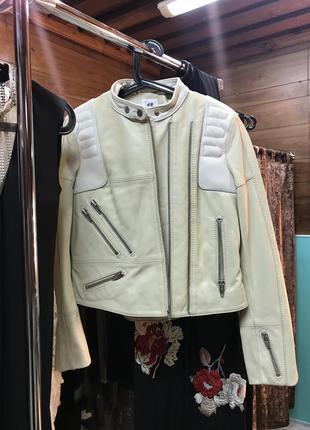 Кожаная куртка в мото стиле от h&m studio