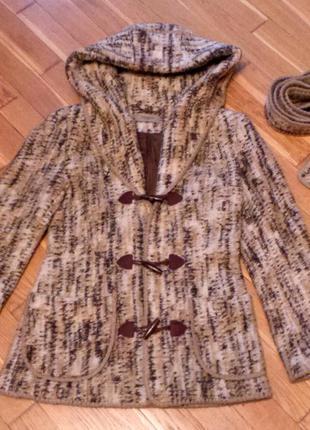 Продам пальто на осень-зиму