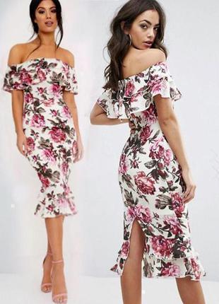 Распродажа! платье prettylittlething с оборками и открытыми плечами asos