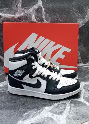 Женские кроссовки nike air jordan черные,белые, высокие