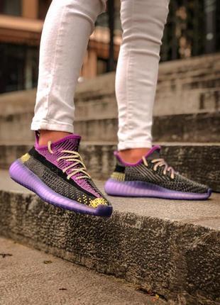 Женские кроссовки adidas yeezy boost 35010 фото