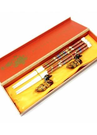 Палочки для еды 2 пары + 2 подставки в подарочной коробке