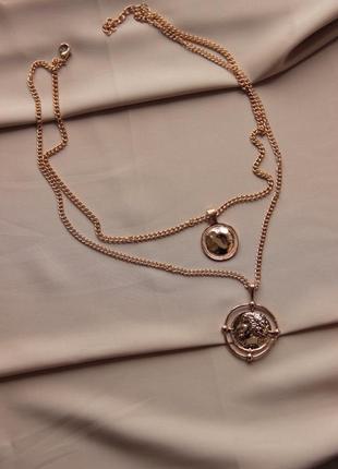 Двухъярусная цепь с медальонами