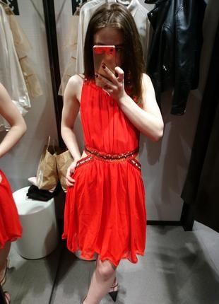 Шикарное платье с бисером