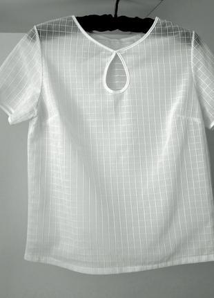 Красивая блуза белая молочная короткий рукав