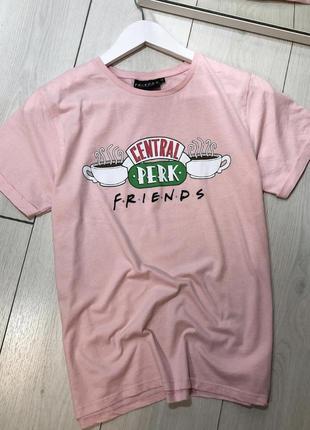 Розова футболка