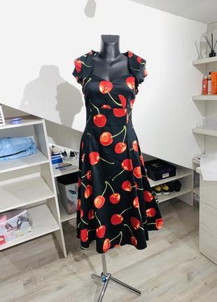 Очень стильное винтажное платье принт вишня  а-ля 40
