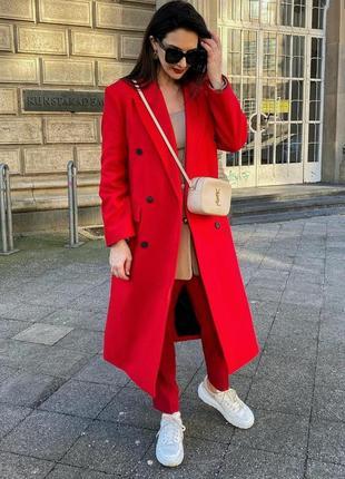 Пальто  zara из роскошной итальянской шерсти manteco красного цвета