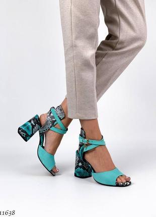 Кожаные босоножки на каблуке натуральная замша кожа