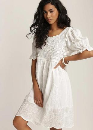 Женское белое платье из натуральной ткани