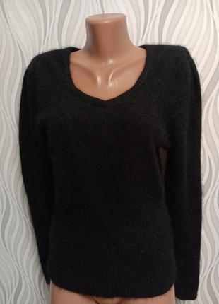 Чёрный свитер из ангоры и кроличьей шерсти
