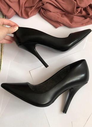 Натуральные кожаные туфли лодочки aldo (на маленькую ножку)