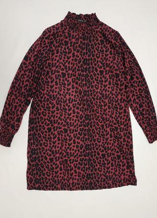 Платье свободный крой с высокой горловиной в леопардовый принт s/m