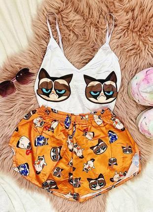 Пижама шёлковая грустный кот оранжевые шорты
