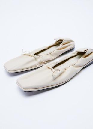 Шкіряні туфлі zara