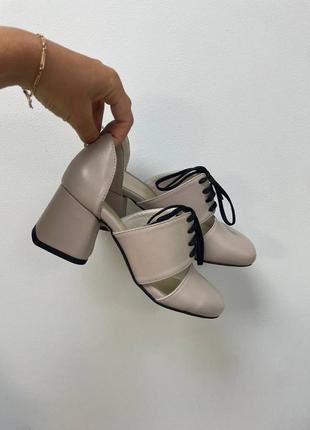 Шкіряні туфлі шнуровка закритий носик та п'ятка