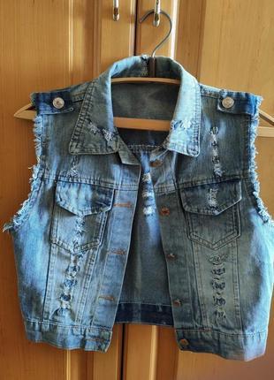 Джинсовая жилетка безрукавка пиджак