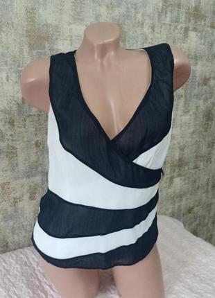 Классная летняя блуза без рукавов