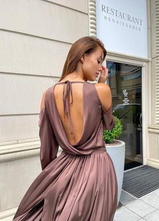 Платье из шёлка на запах