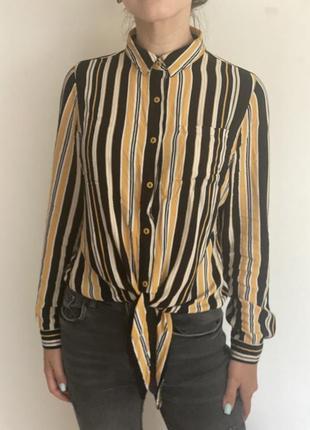 Крутая полосатая лёгкая рубашка на завязке