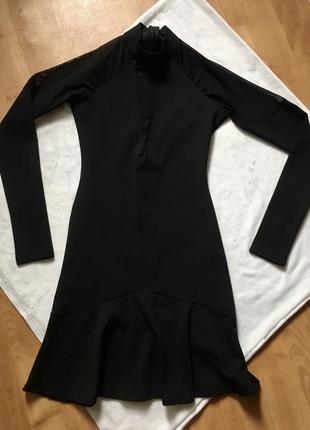 Платье чёрное по фигуре с длинным рукавом воланом сеткой и горлом