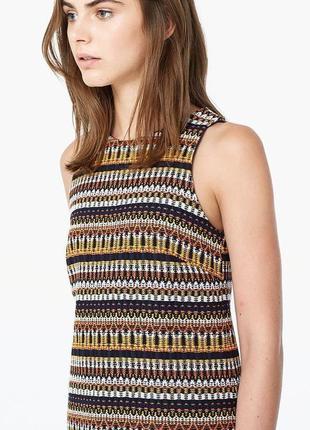Платье футляр с узорами короткое разноцветное платье твидовое платье mango