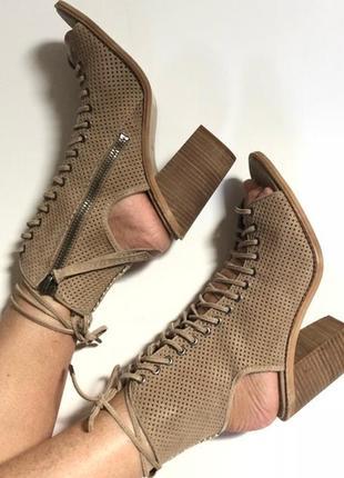 Босоножки на шнуровке , замш dolce vita америка