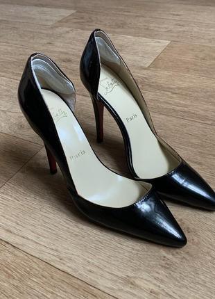Шикарные кожаные туфли christian louboutin pigalle