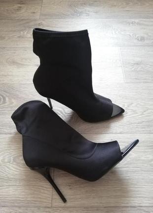 Туфли чулки ботильоны черные
