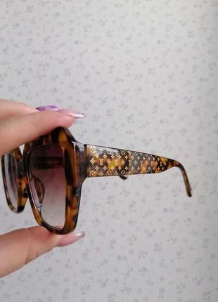 Эксклюзивные брендовые солнцезащитные женские очки в черепаховой оправе 20215 фото