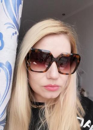 Эксклюзивные брендовые солнцезащитные женские очки в черепаховой оправе 20212 фото