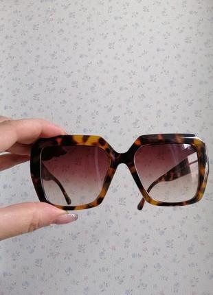 Эксклюзивные брендовые солнцезащитные женские очки в черепаховой оправе 20216 фото